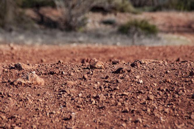 Des terres rouges a la roche blanche